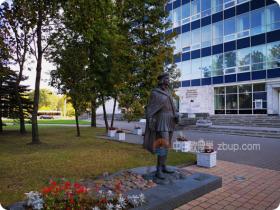 你该怎么选?去白俄罗斯国立大学读研or国立经济大学读?