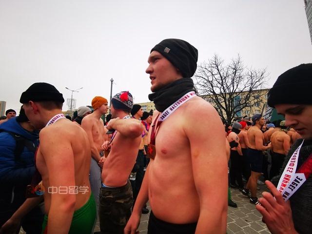 来说说白俄罗斯的男人节:温和的战斗民族男人