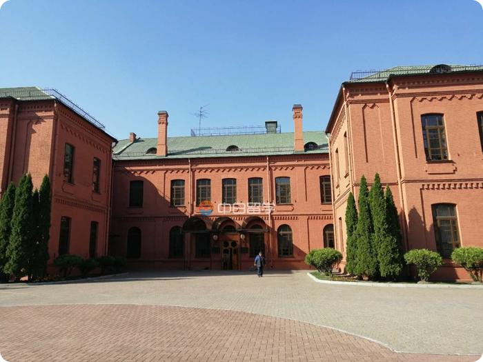 白俄罗斯国立大学排名QS世界500强,落户北京上海不用愁(福利贴)